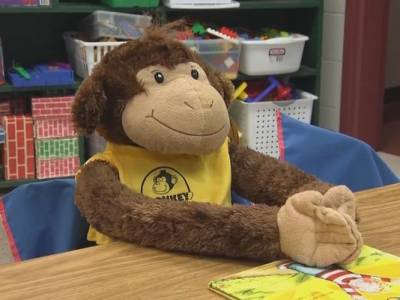 Sign up: Free Monkey In My Chair kit for Kids With Cancer